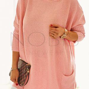 Luźny sweter oversize z kieszeniamikolor morelowy